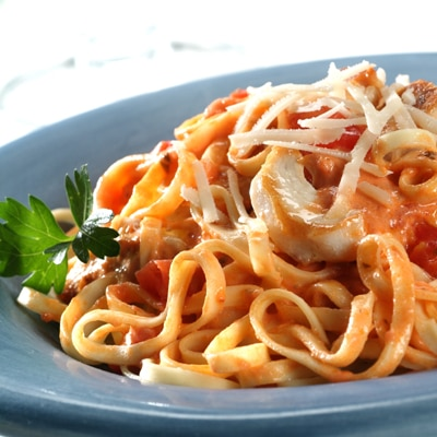 Chicken in Creamy Tomato Sauce with Linguine (Lighter)