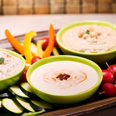 Maggi Chipotle Dip with Crackers and Vegetables