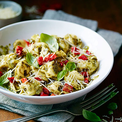 Tortellini with Pesto and Sun-Dried Tomatoes (Lighter)