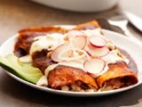 Chicken Enchiladas in Red Sauce