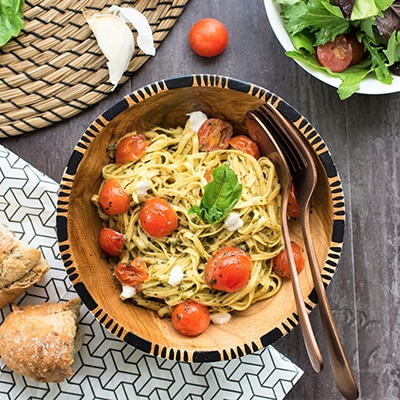 Linguine with Pesto, Cherry Tomatoes and Ricotta Cheese