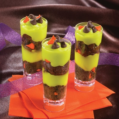 Freaky Halloween Cake & Pudding Shooters