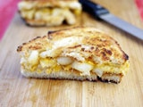 Hot Apple Pie Sandwiches