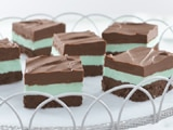 Easy No-Bake Creamy Chocolate Mint Bars