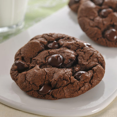 Jumbo Dark Chocolate Cookies | NESTLÉ® Very Best Baking