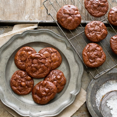 Flourless Chocolate Fudge Crinkle Cookies