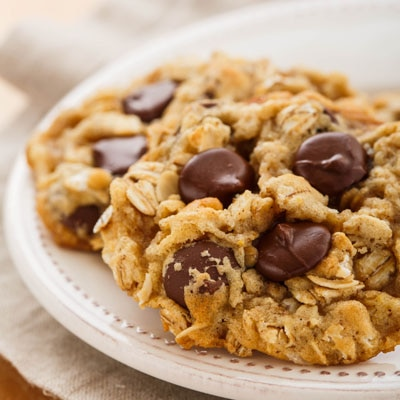 Coconut Oil Oatmeal Dark Chocolate Chip Cookies