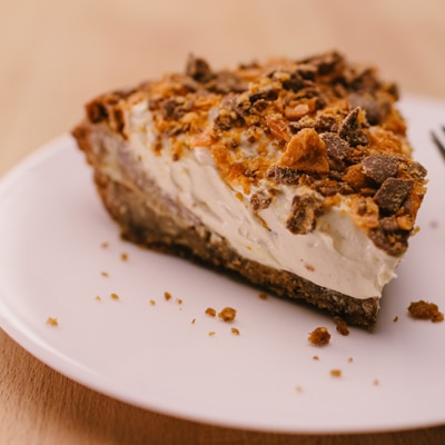 Butterfinger Cookie Pie