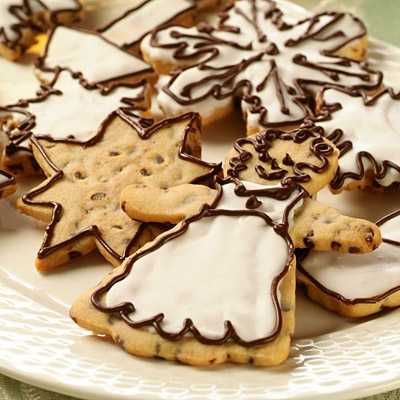 Chocolate Mini Chip Holiday Cookies | NESTLÉ® Very Best Baking