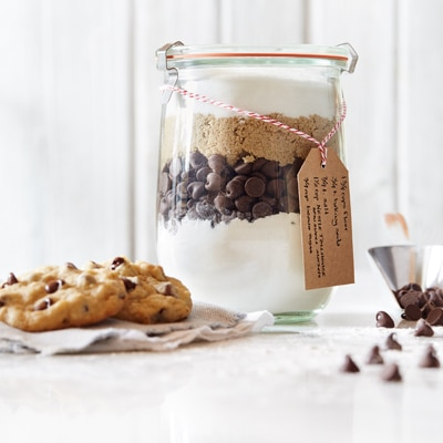 Making jars of cookie mixes combines all three of these loves! These layered cookie-mix gifts come together in a snap, thanks to Betty Crocker cookie mixes. At first, starting with a mix felt a little like cheating, but in the end, getting a head start gave me more time .